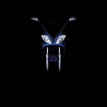 """Piaggio X9 Evolution, campagna di lancio, """"Alien"""". Headline """"The species has evolved"""". CW Beatrice Furlotti, AD Diego Mendozza, CD Bruno Bertelli, PH Maurizio Panicucci."""