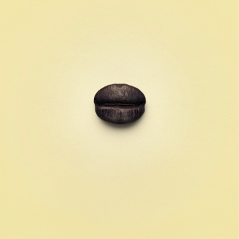 """Botega Caffè, campagna istituzionale, """"Morbido"""", soggetto """"Lips"""". Headline: """"Coffee with a softy taste"""". CW Beatrice Furlotti, AD Diego Mendozza, CD Alberto Citterio, PH Davide Bodini."""